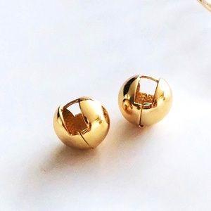 🍋2/$30 New Gold Ball Huggie Earrings